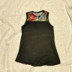EUC Black & floral lace tank top, women's Medium